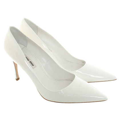 Miu Miu  Patent leather in white pumps