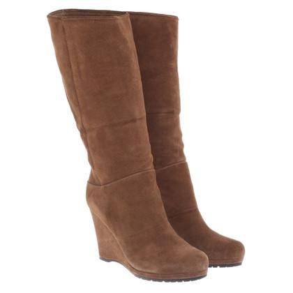 Prada stivali di camoscio in marrone chiaro