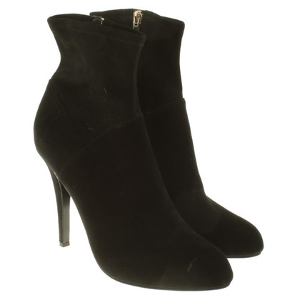 Karen Millen Boots in Black
