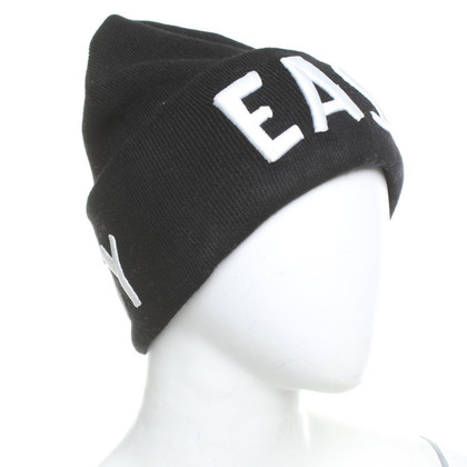 Lala Berlin Hat with lettering