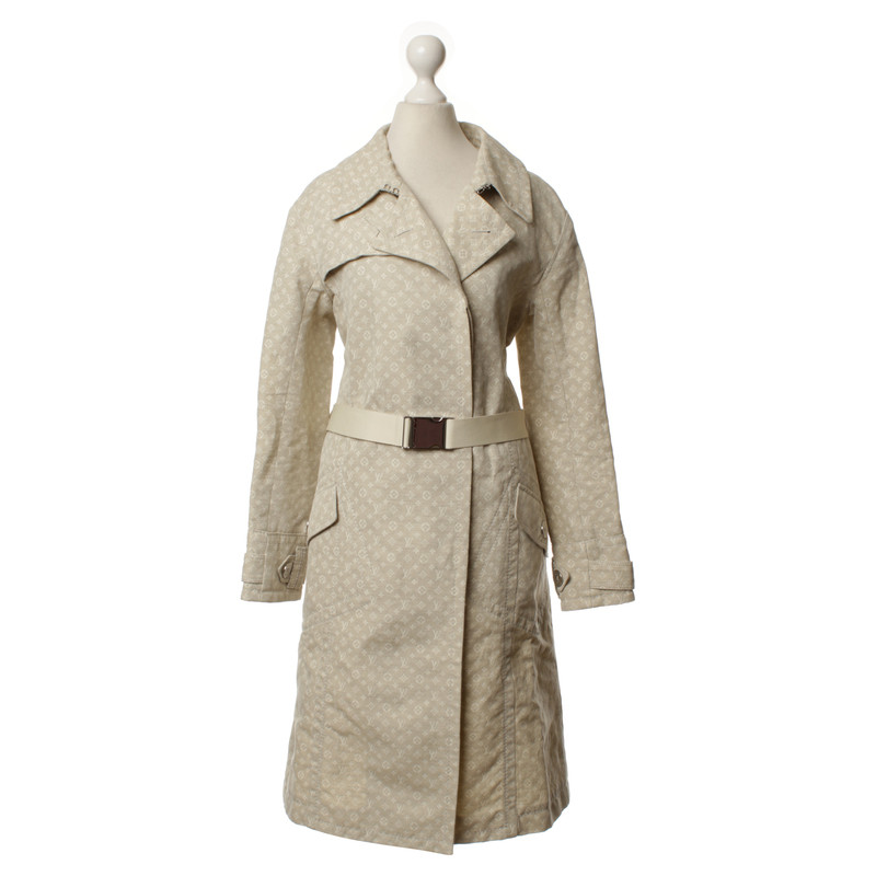 louis vuitton trenchcoat mit monogram muster second hand louis vuitton trenchcoat mit monogram. Black Bedroom Furniture Sets. Home Design Ideas
