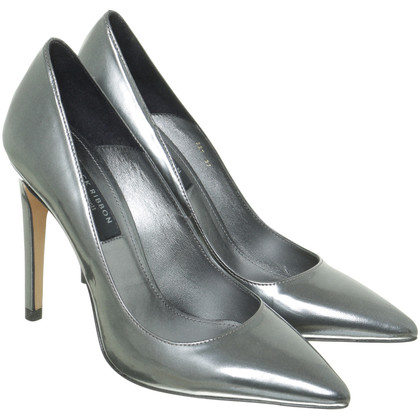 L.K. Bennett Pumps im Metallic-Look