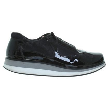 Prada Sneakers met lakleer inzetstukken