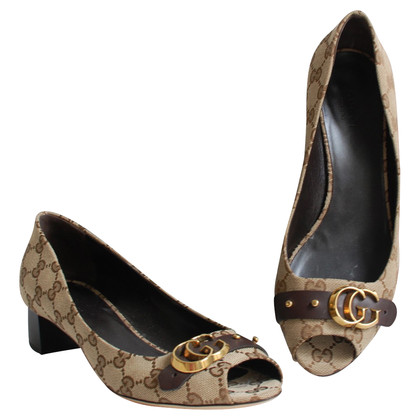 Gucci Peep-dita dei piedi