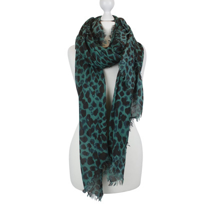 Rika Scarf with leopard print