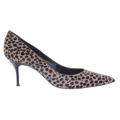 Gianvito Rossi pumps with rabbit fur trim