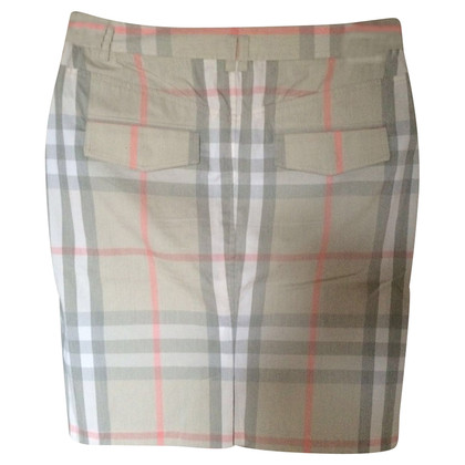 Burberry Skirt with chek