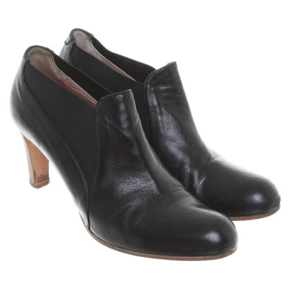 Marc Cain Leather ankle boots in black