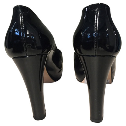 Chanel pumps patent leather