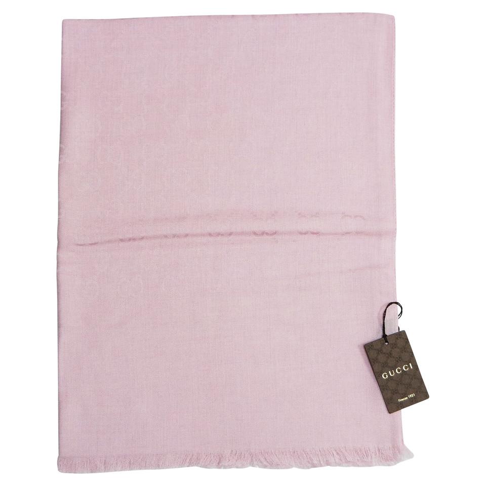 gucci schal in rosa second hand gucci schal in rosa gebraucht kaufen f r 265 00 2501275. Black Bedroom Furniture Sets. Home Design Ideas
