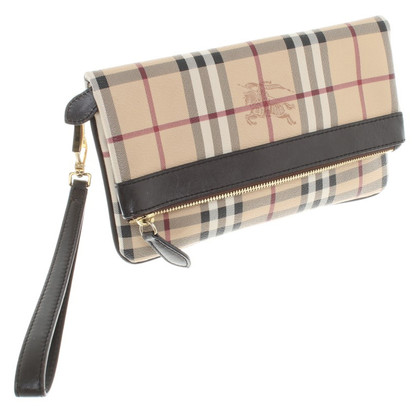 Burberry clutch with Nova check pattern