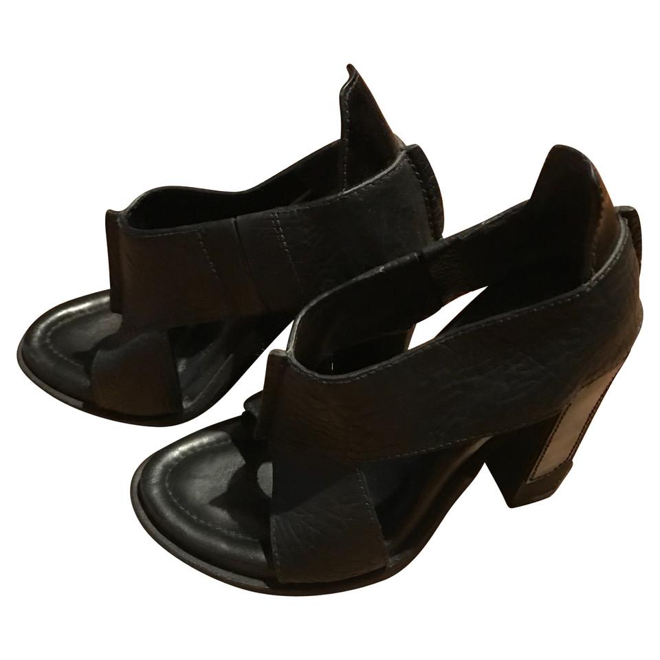 alexander wang sandaletten second hand alexander wang sandaletten gebraucht kaufen f r 260 00. Black Bedroom Furniture Sets. Home Design Ideas