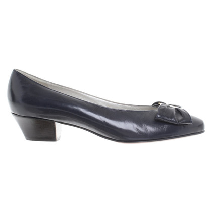 Bally pumps in dark blue