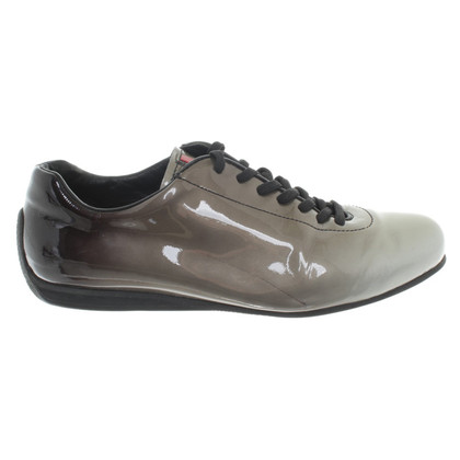 Prada Sneakers aus Lackleder
