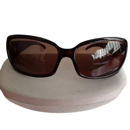 Fendi Sunglasses in black / red