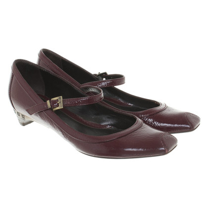 Fendi pumps in patent leather