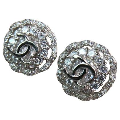 Chanel Zilverkleurige logo oorbellen