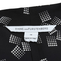 "Diane von Furstenberg Dress ""Folienprint"" in zwart"