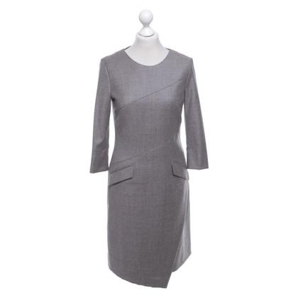 St. Emile Vestito di grigio