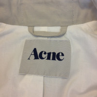 Acne Trench