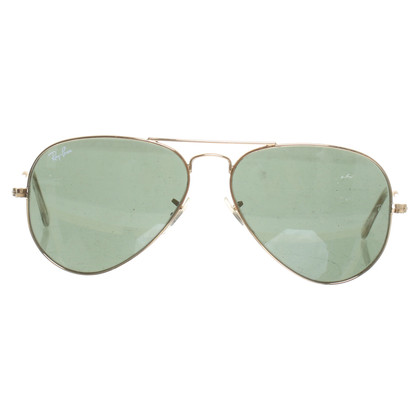 "Ray Ban ""Aviator pilot-style sunglasses"