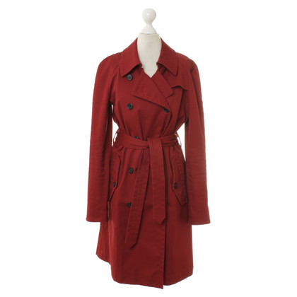 Hugo Boss Trench coat in rosso