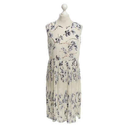 Baum und Pferdgarten Dress with floral pattern