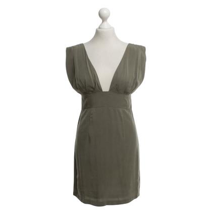 Gestuz abito color oliva