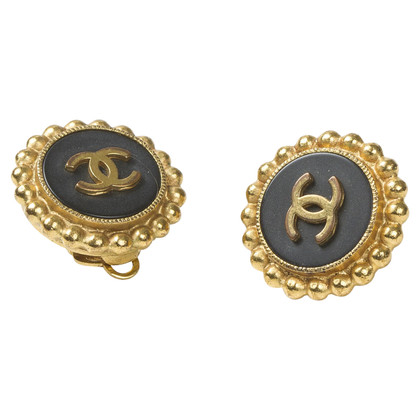 Chanel Round ear clips