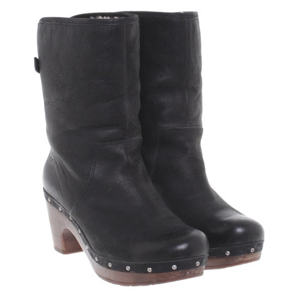 UGG Australia Clog ankle boots in black