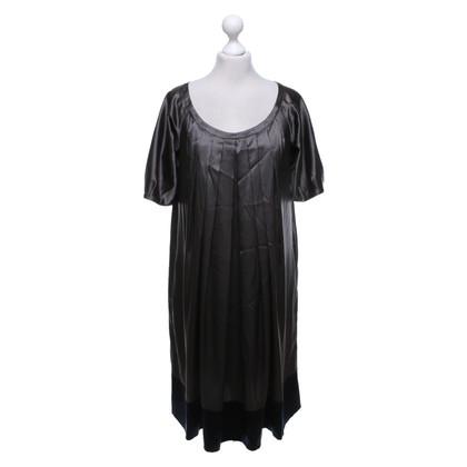 DKNY zijden jurk in donkergrijs