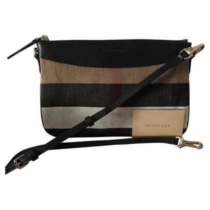 Burberry clutch made of cotton