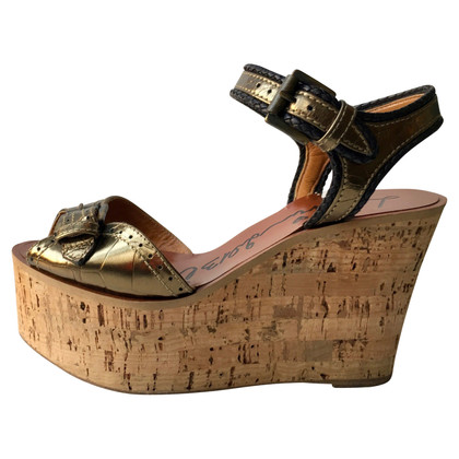 Lanvin Goldfarbene Wedges