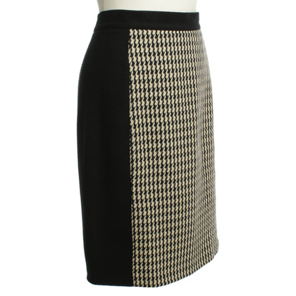 Carolina Herrera Rock met Houndstooth patroon