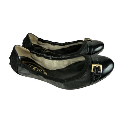 Tod's Black Ballet flats with gold buckle