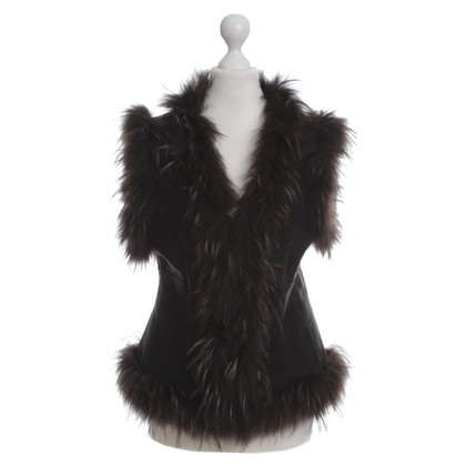Style Butler Vest with raccoon fur