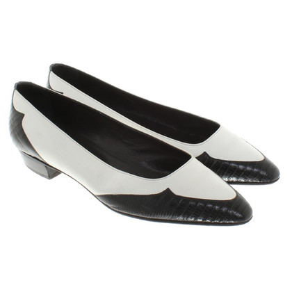 Prada Slipper in black / white