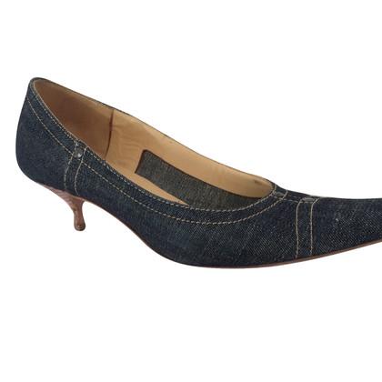 Miu Miu pumps in jeans look