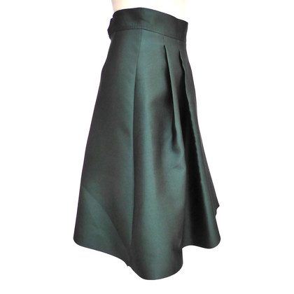 Max Mara skirt in the 50s-style