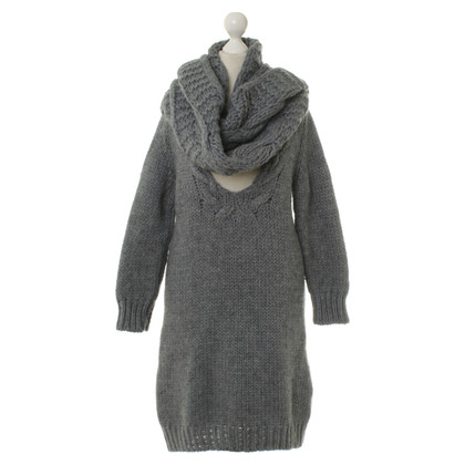 Hugo Boss Knit dress with scarf