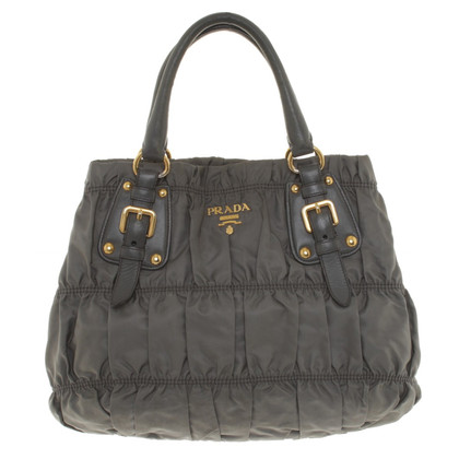 Prada Handtasche in Grau