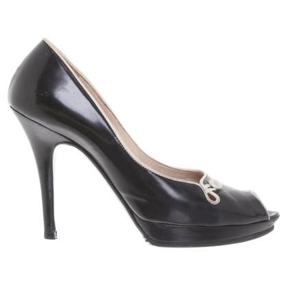 Fendi Peep-dita dei piedi in nero