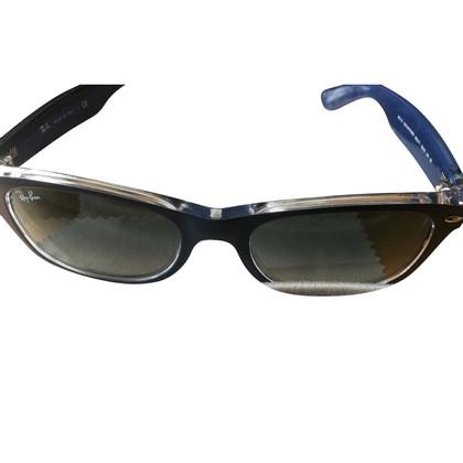 "Ray Ban Sunglasses ""Wayfarer"""