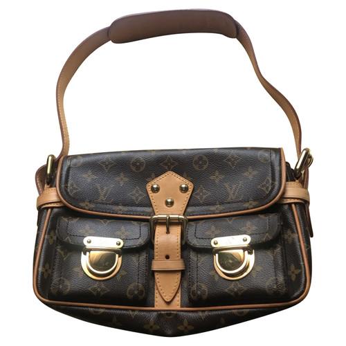 b18a8caa60 Louis Vuitton