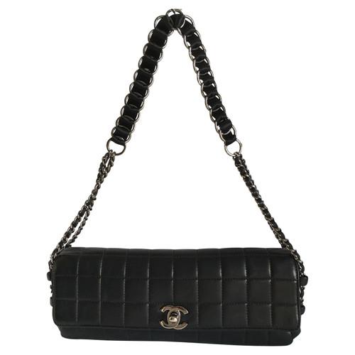 b34fa936f174 Chanel Handbag Leather in Black - Second Hand Chanel Handbag Leather ...