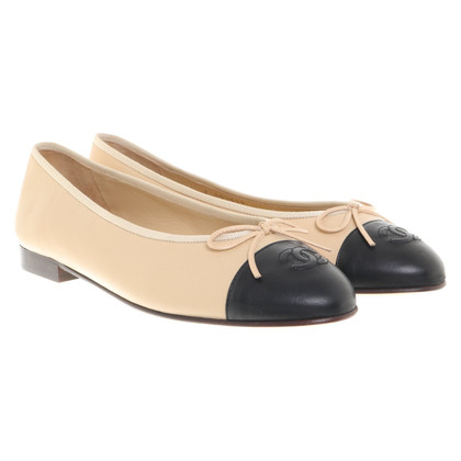Chanel Ballerinas in beige / black