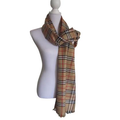 Burberry Cashmere scarf with Nova check pattern