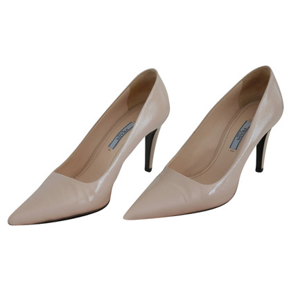 Prada pumps in crema