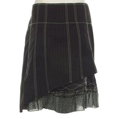 Stefanel skirt with pattern