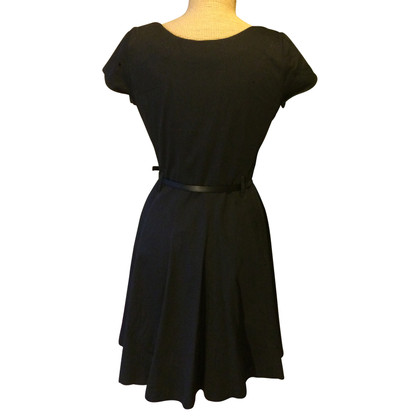 Piu & Piu Sheath dress with leather belt